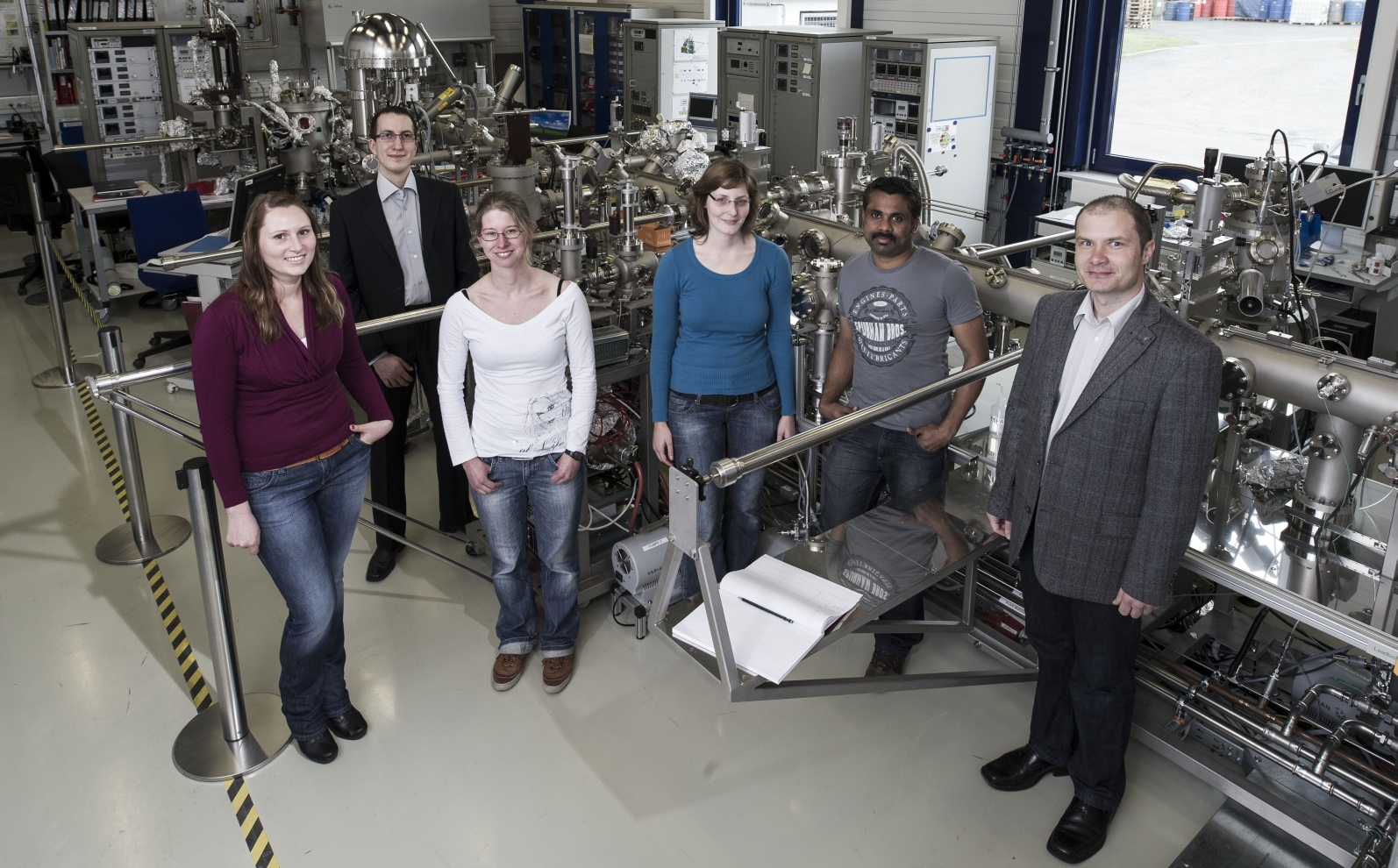 Group photo, depicting all current members of the Nanodynamics group